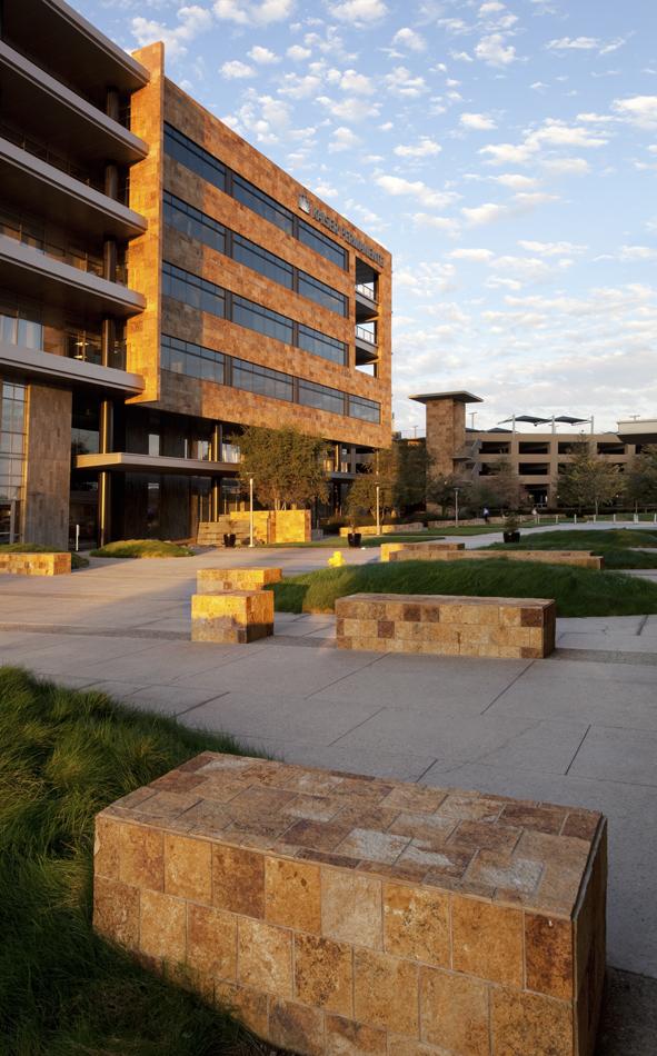 Garfield Center plaza_om