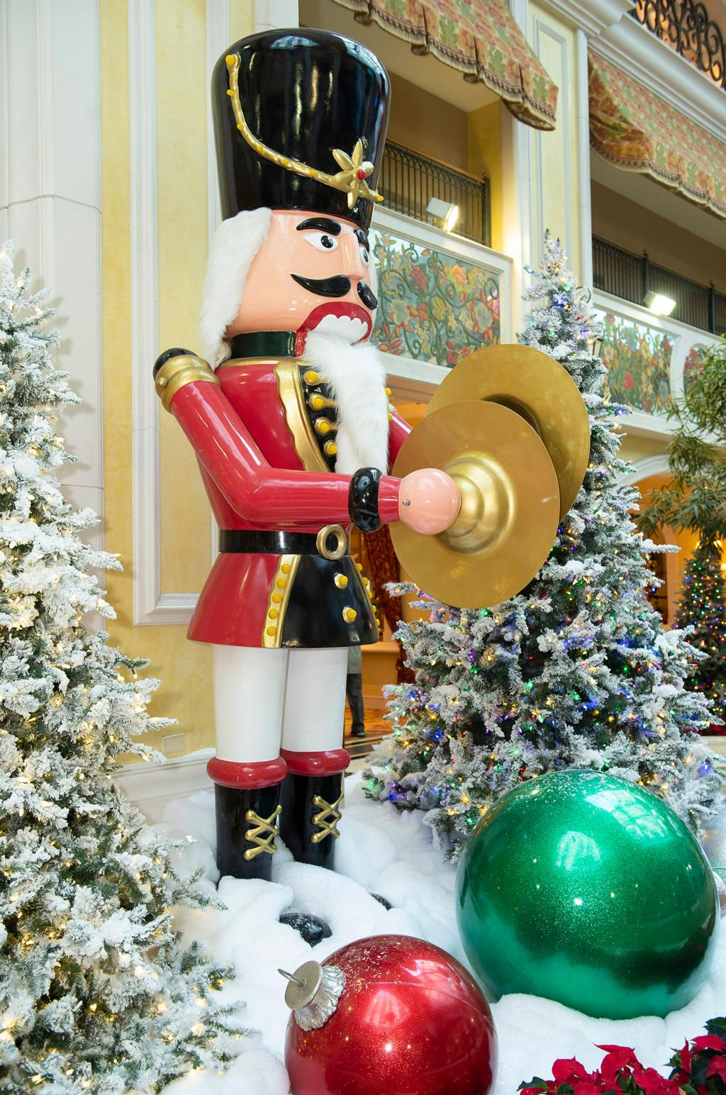 Holidays at Beau Rivage embrace the magic of the season