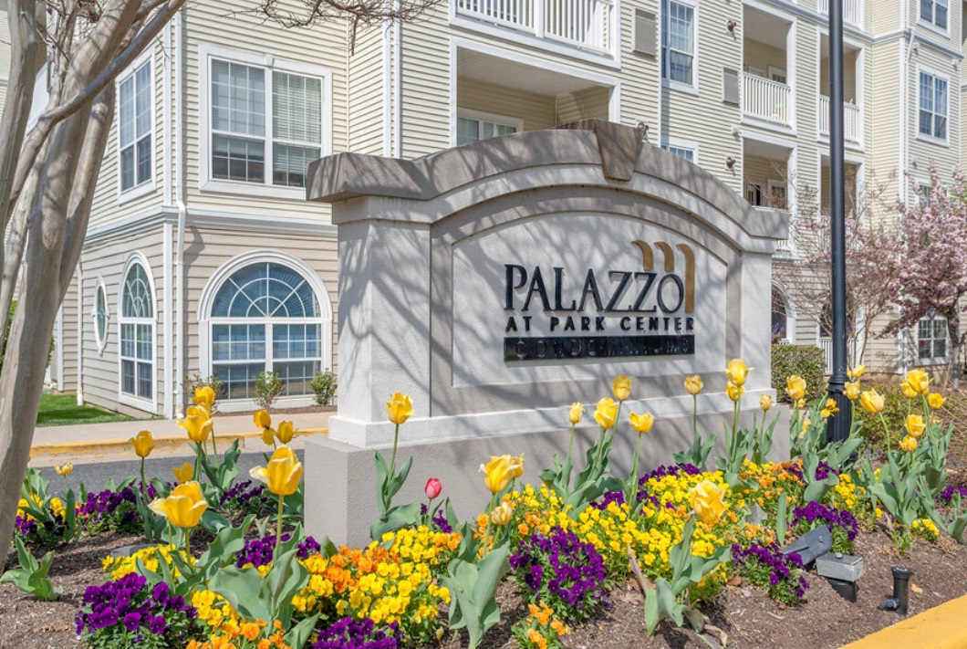 Plaazzo at Park Center Sign