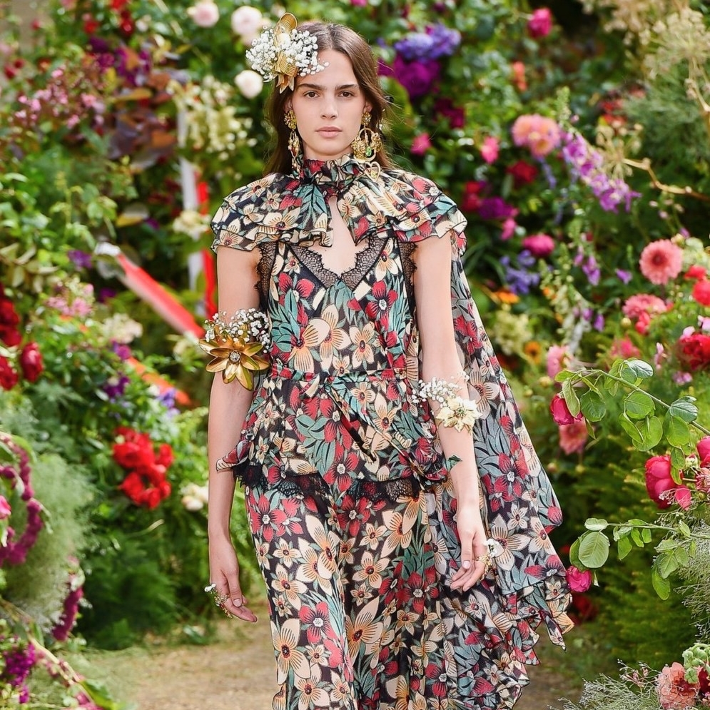 Image Nailed It girl on Flower Runway