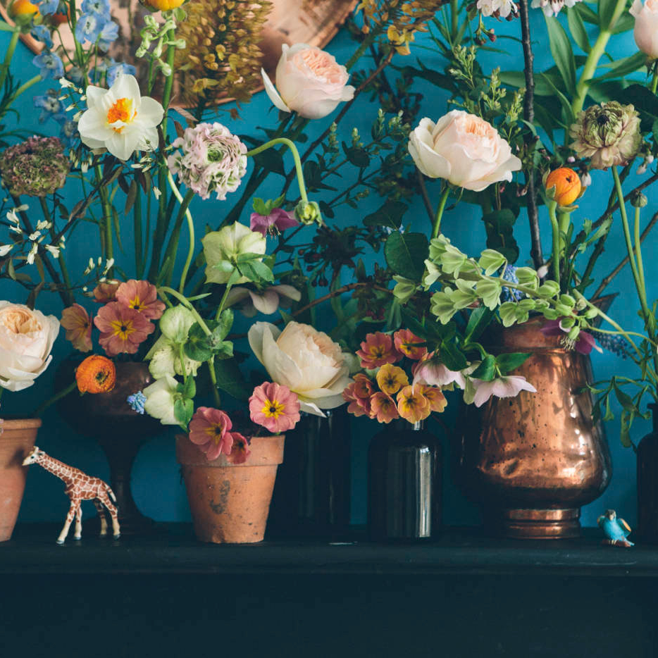 Image Nailed It Table with flowers Arranged in pots