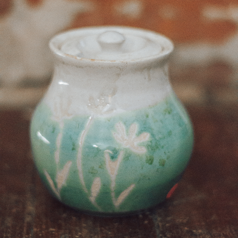 """<p style=""""font-size: 16px; line-height: 150%;""""><strong>Turquoise Honey Pot</strong>&emsp;<br /> 2 cups<br /> <strong>$45</strong></p>"""