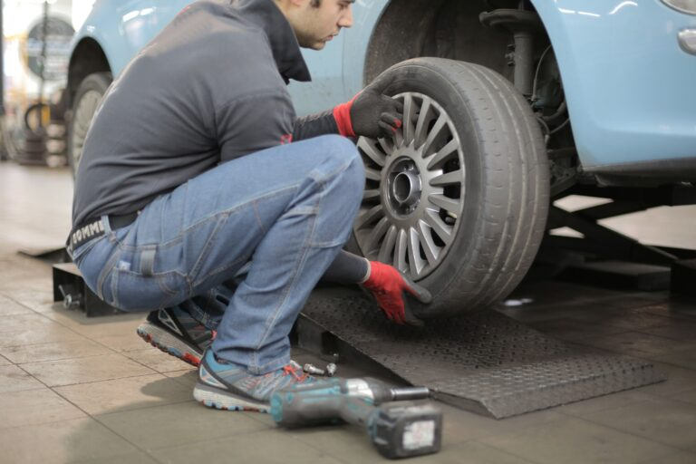 How to know when to change tires