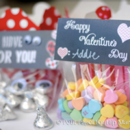 "FREE Printable ""I Have Eyes For You"" Valentine's Day Gift Bag Toppers"