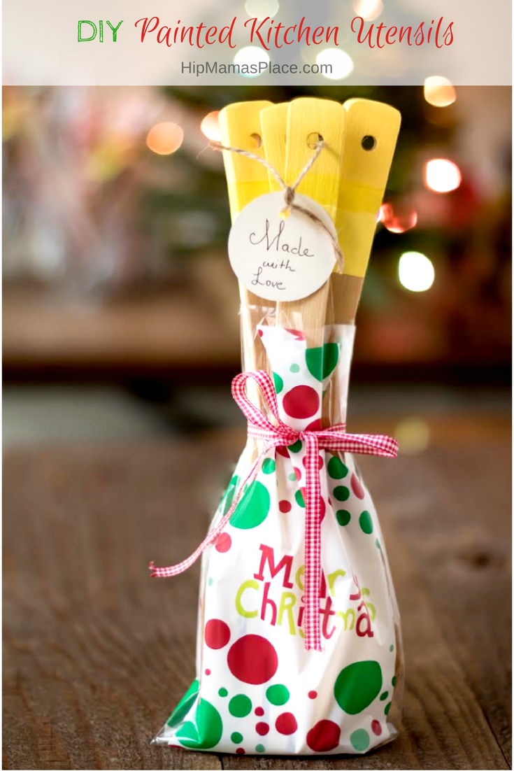 Fantastic personalized holiday gift idea for the cooks and bakers in your life: DIY Painted Kitchen Utensils!
