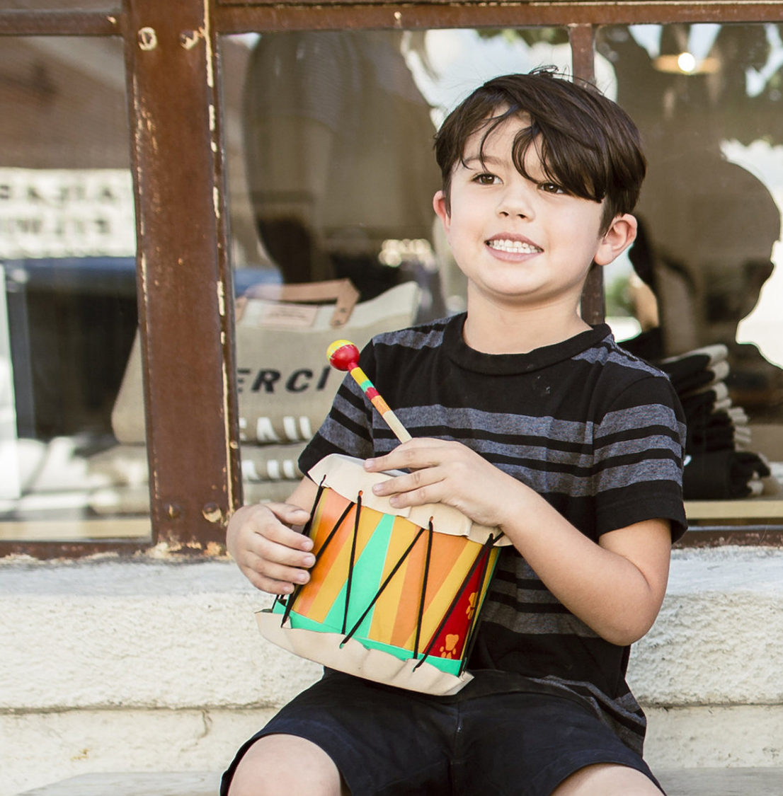 The Circle of Life Drum kids' crafting kit is inspired by Disney's The Lion King and comes with everything your child needs to put togetherhis own drum for some African music! So cool!