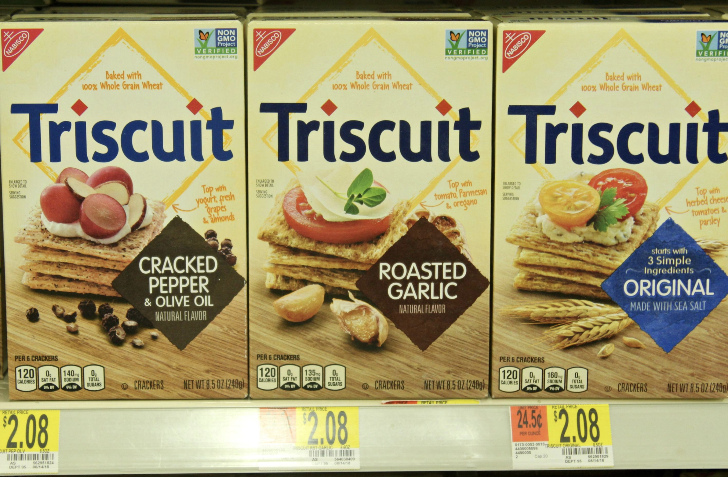 I love that Triscuit is baked with 100% Whole Grain Wheat and is now NON GMO. Pick up Triscuit at Walmart! #HolidaysWithTriscuit #IC #AD