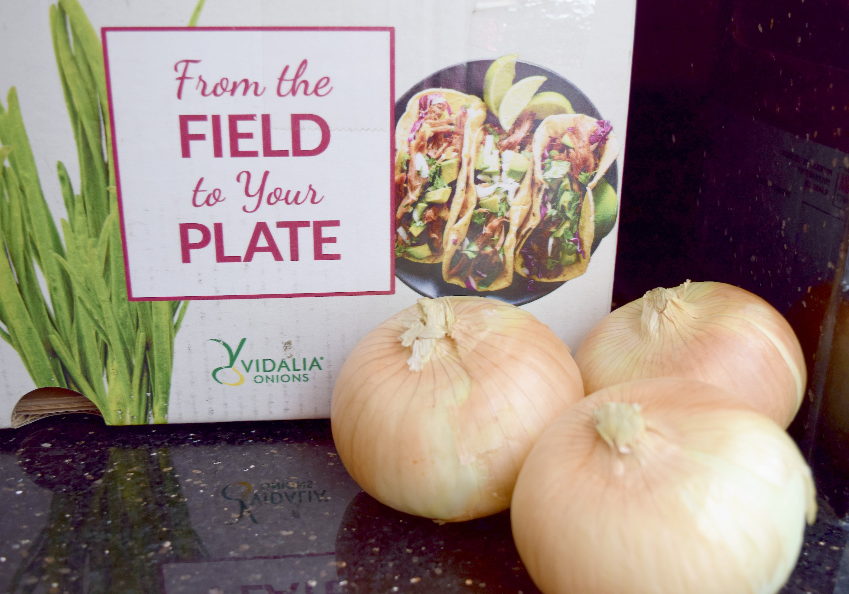 a group of sweet Vidalia onions