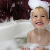 15 Ways to Get Chatting With Your Toddler at Bath Time