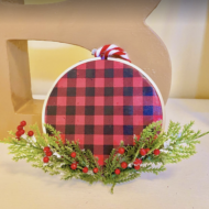 DIY Embroidery Hoop Paper Ornament