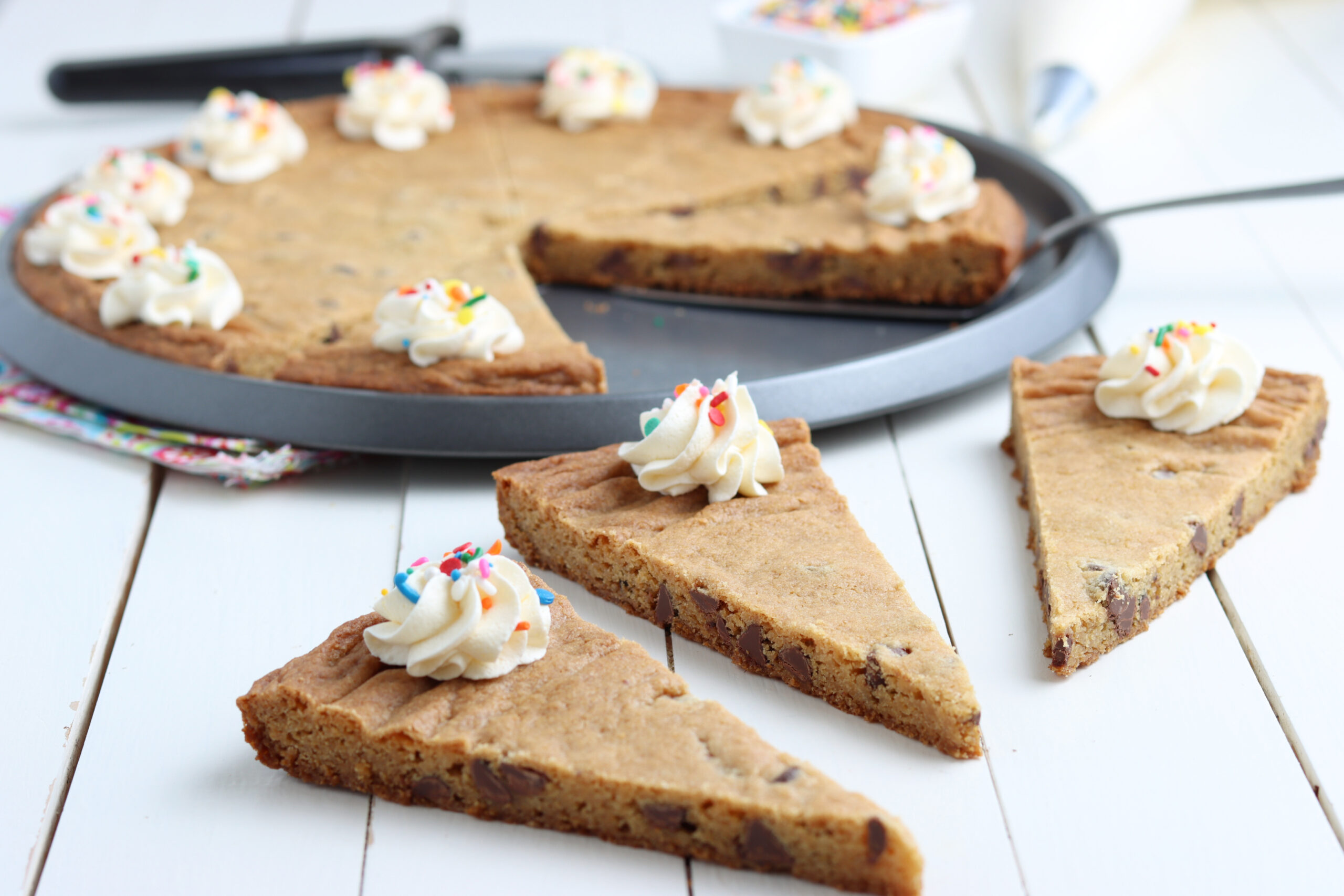 easy chocolate chip cookie pizza recipe