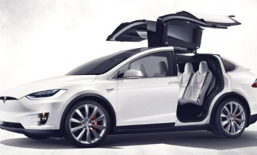 Review: Meet Tesla's Model X, 250-mile range, Falcon Wing doors
