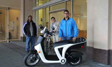 Mahindra Launched World's First Cloud Connected E Scooter Genze 2.0