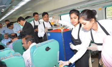"""Highlights of the Launch of """"Gatimaan Express"""", India's Fastest Train"""