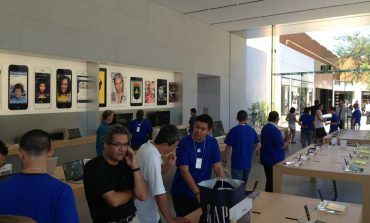 India Opens The Door For Apple Stores in New FDI Rules