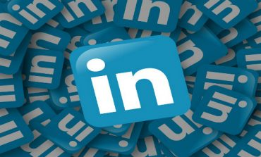 Key LinkedIn Exec Eduardo Vivas to Quit Later This Year