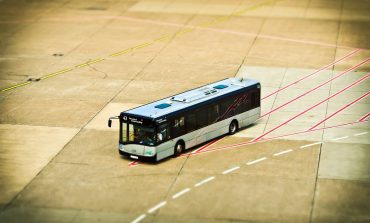 Indian Government in Talks With SoftBank For Funding 2 Lakh e-Buses
