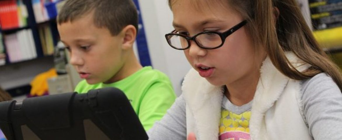 Apple Plans to Launch a Low-Cost iPad For Students & Teacher