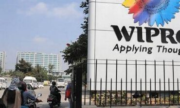 Wipro Hikes Annual Fresher salary by Rs 30,000