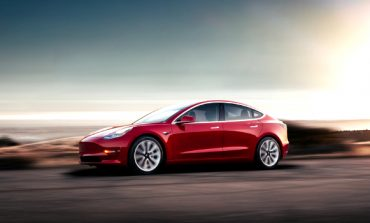 Tesla Rolls Out a Cheaper, Mid-Range Model 3