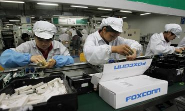 Foxconn will now Assemble Top-end Apple iPhones in India