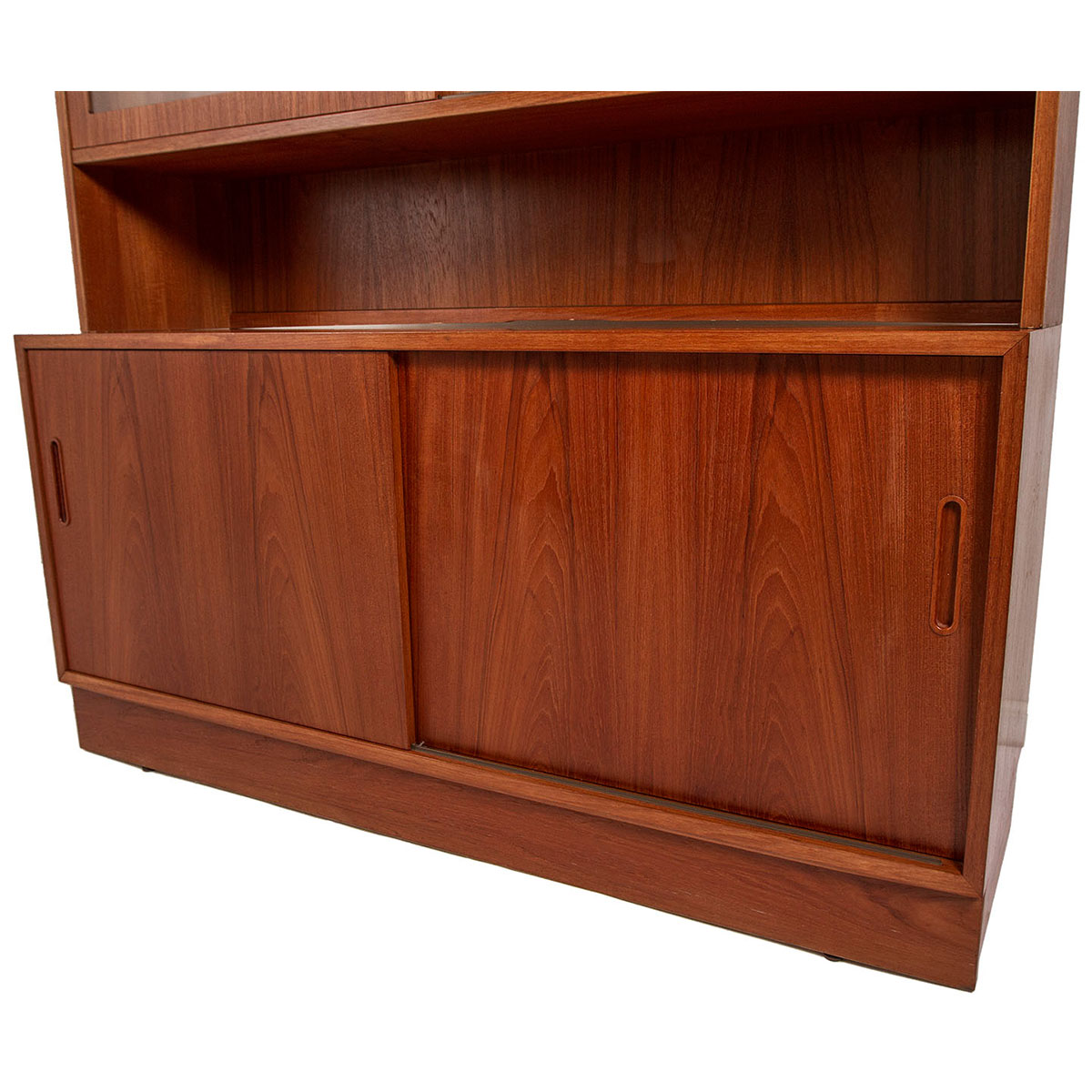 Danish Modern Teak Sideboard / Media Cabinet