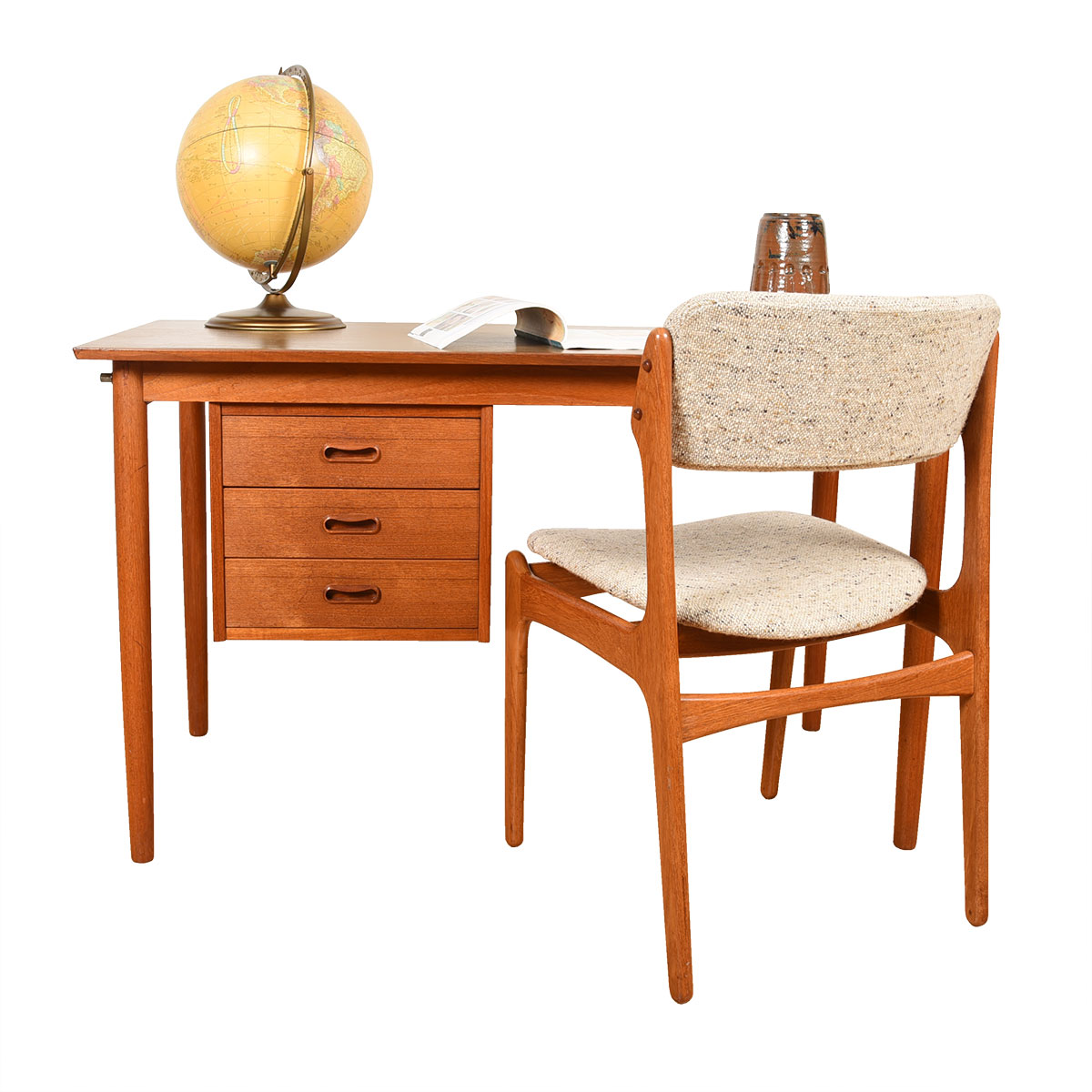 Danish Modern Teak Desk with L-to-R Movable Drawers