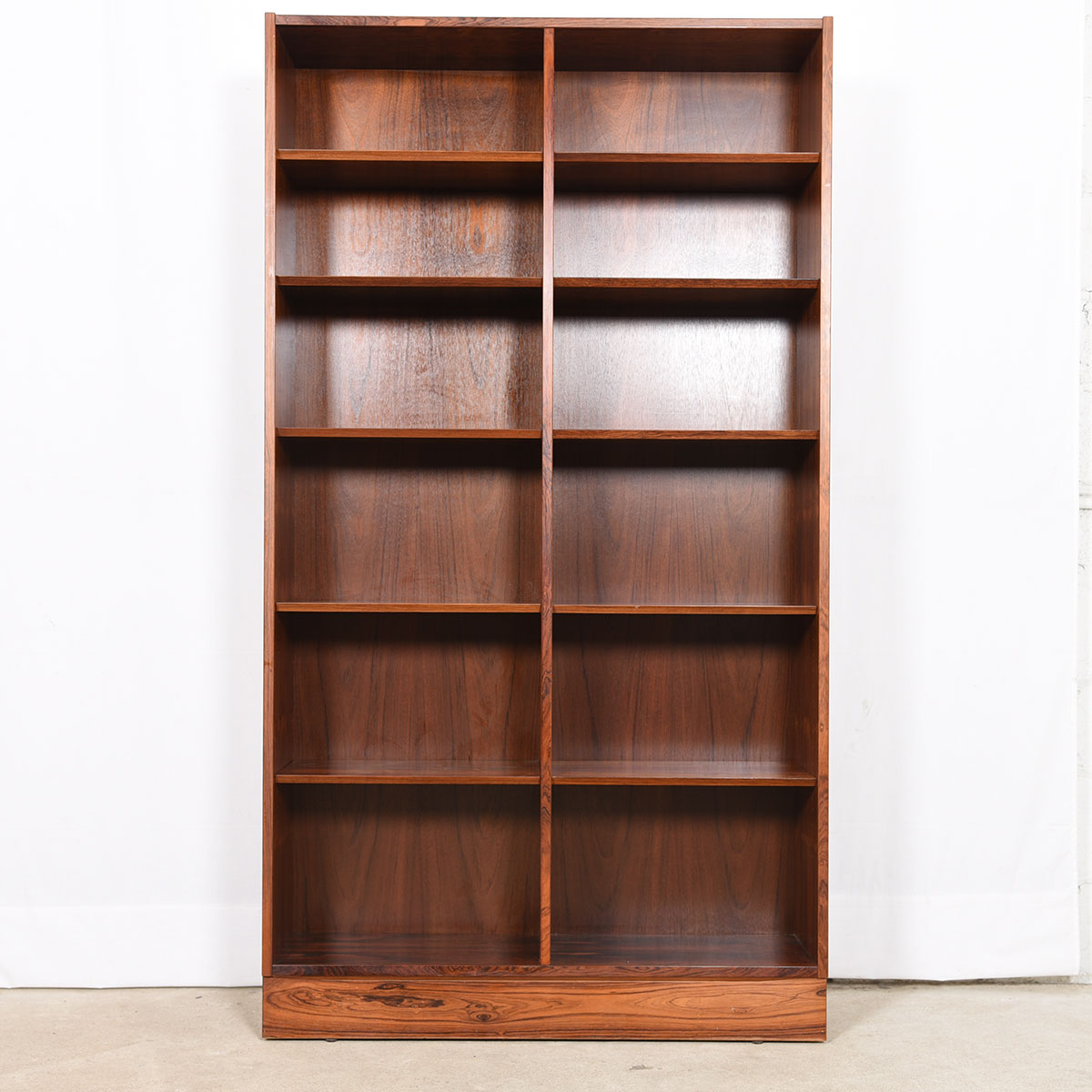Danish Modern Rosewood Tall 42.5″ Adjustable Shelf Bookcase