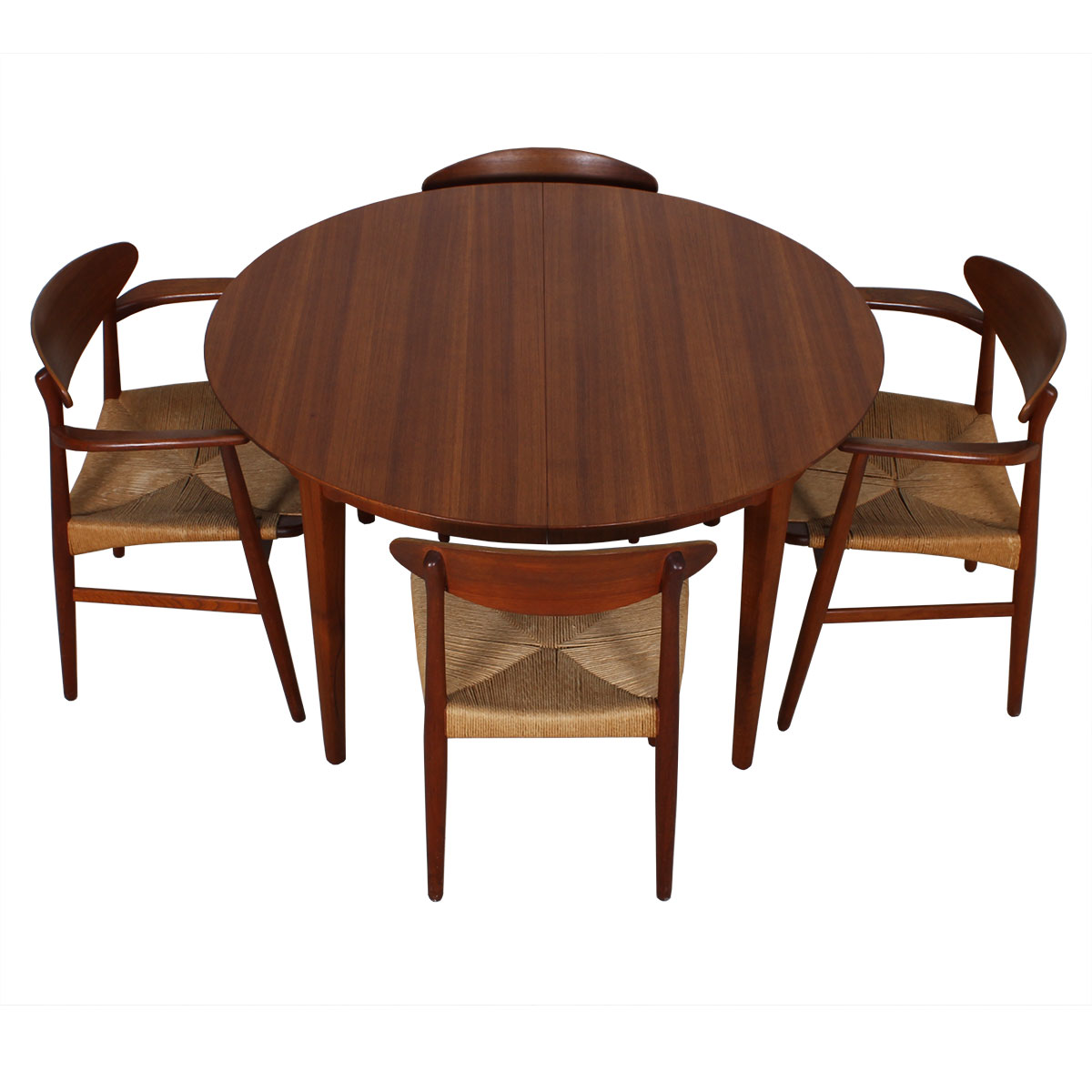 Super Expanding Round to Oval Danish Teak Table w/ 4 Leaves!