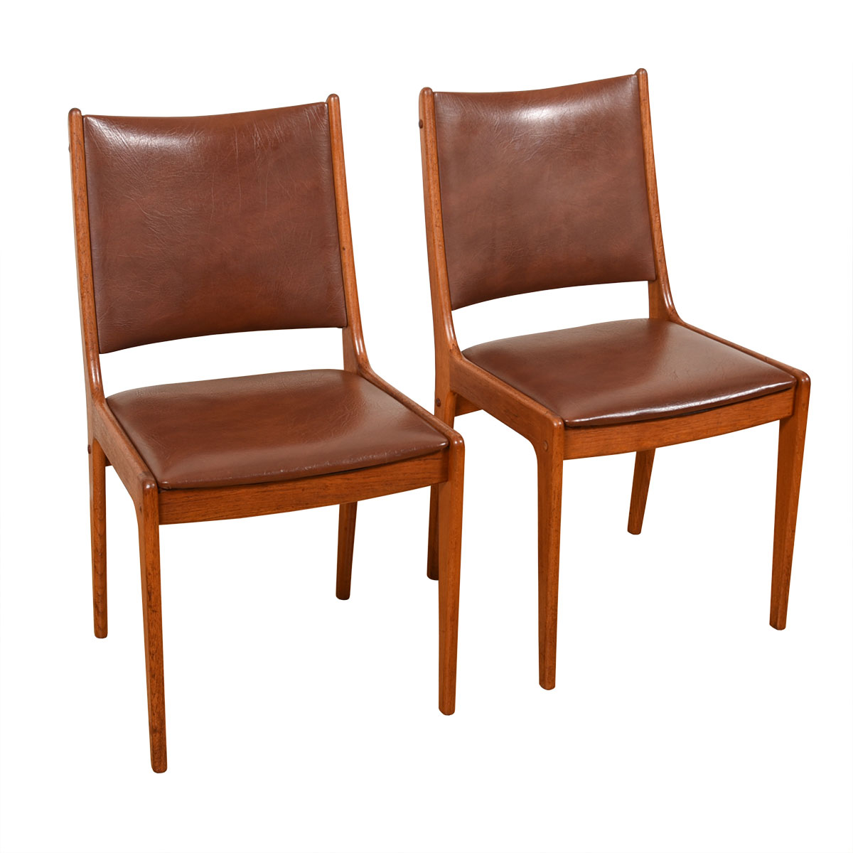Pair of Light Brown Johannes Andersen Danish Dining Chairs for Uldum Mobelfabrik