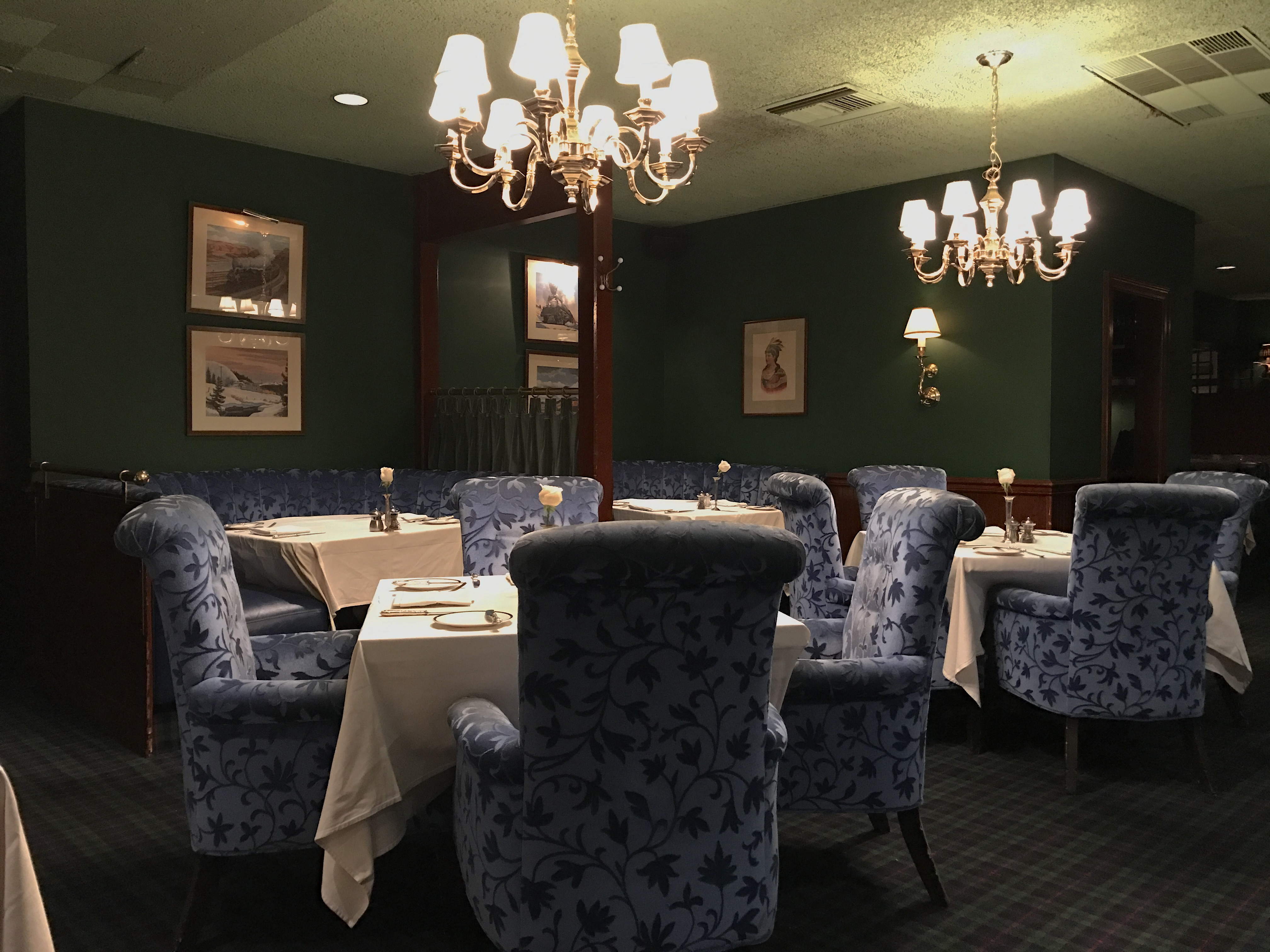 Pacific Dining Car La S Only 24 7 Fine Dining Restaurant Since 1921 Offers New Specials Girls On Food