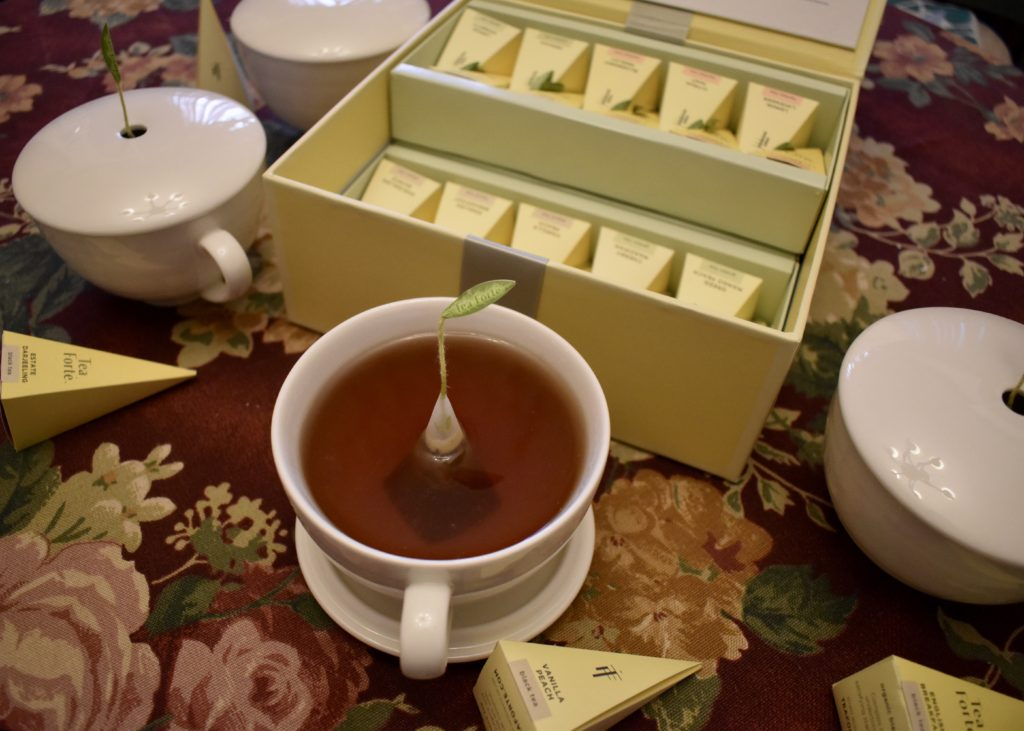 Tea Forté Tea Chest Tea Tasting Assortment with Café Cups?