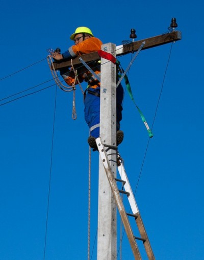 Powering the People – How to be an Electrical Transmission Linesperson