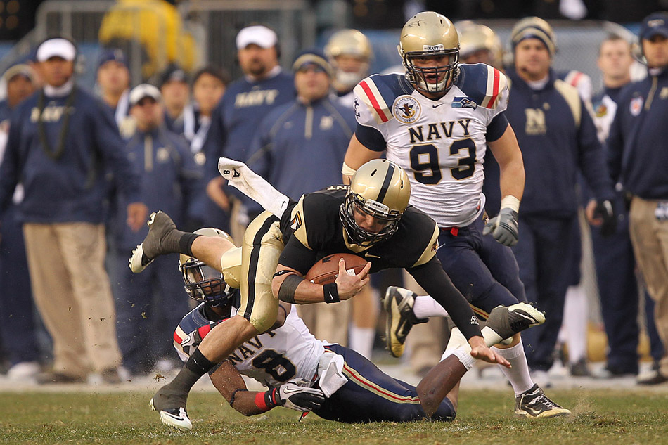 Trent Steelman dives for yardage in the 111th Army-Navy Game in Philadelphia, Pa.