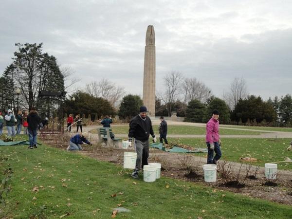 Winterizing A Garden Workshop 2010 – 8