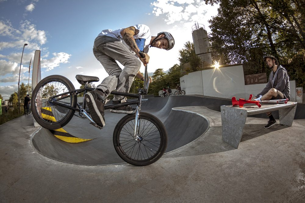 christoph-werner-cross-footed-foot-jam-radio-bikes-bmx