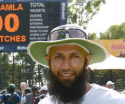 Hashim Amla Celebrates His Ton Of Tests With Ton