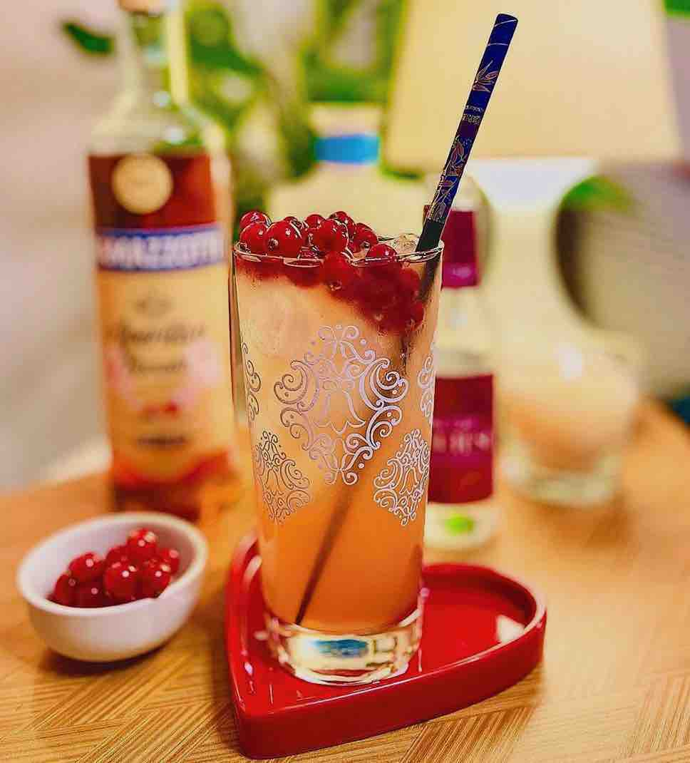 These Aperitif Drinks Are Perfectly Acceptable Cocktails To Enjoy Before Dinner And Beyond