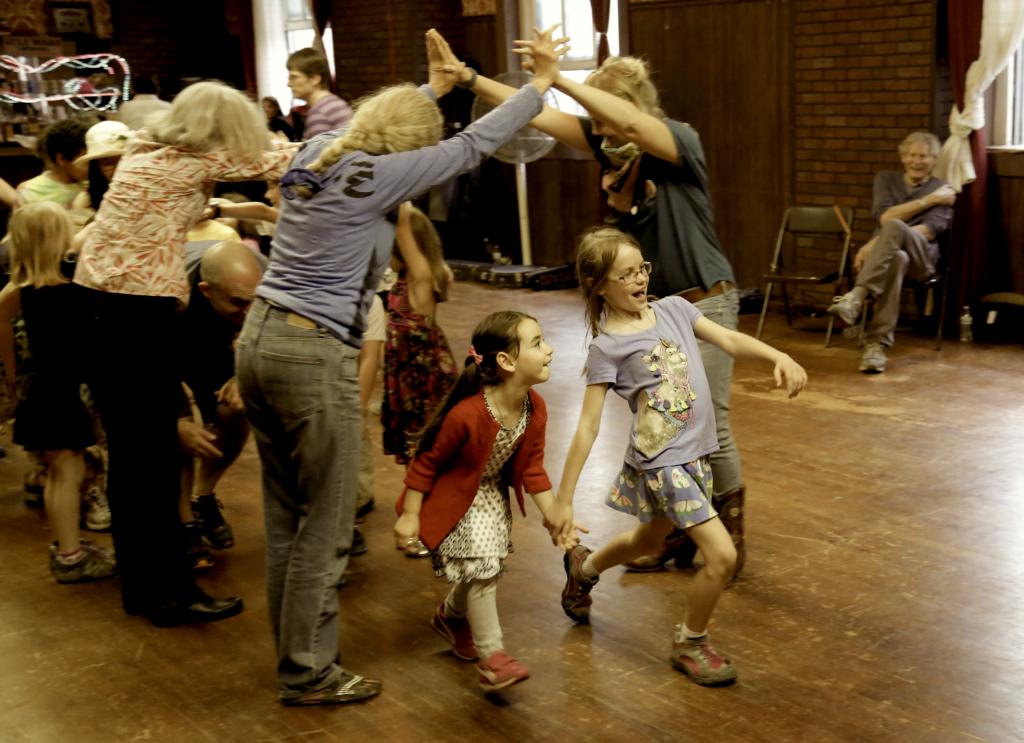LAOTS FAMILY DANCE