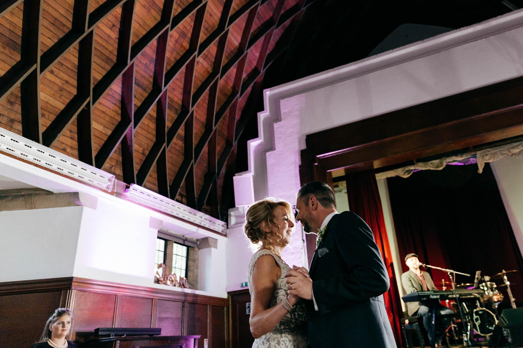Gloucestershire wedding photographer Amber Marie Photography