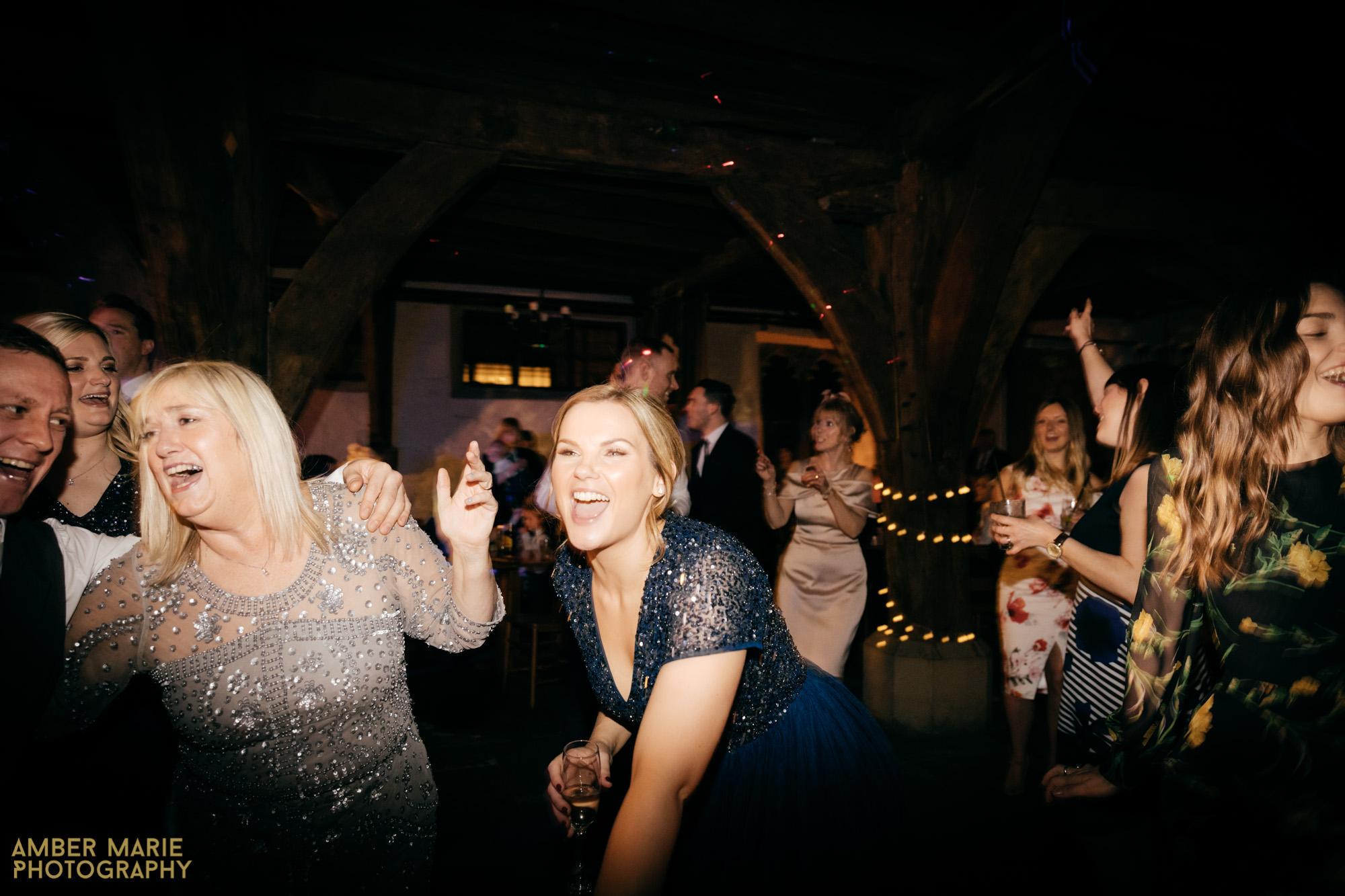 york winter wedding at Merchant Adventurers Hall