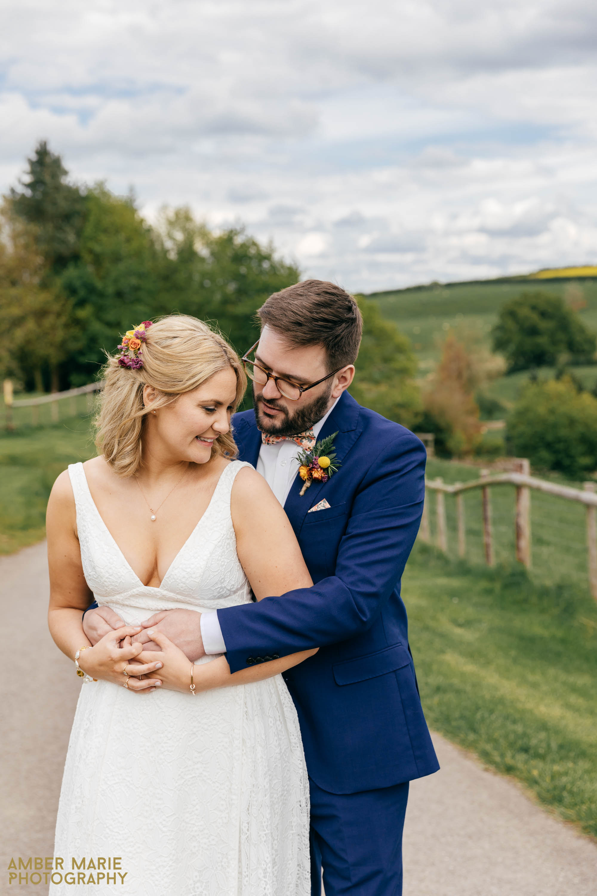 kingscote barn wedding by creative wedding photographer Gloucestershire