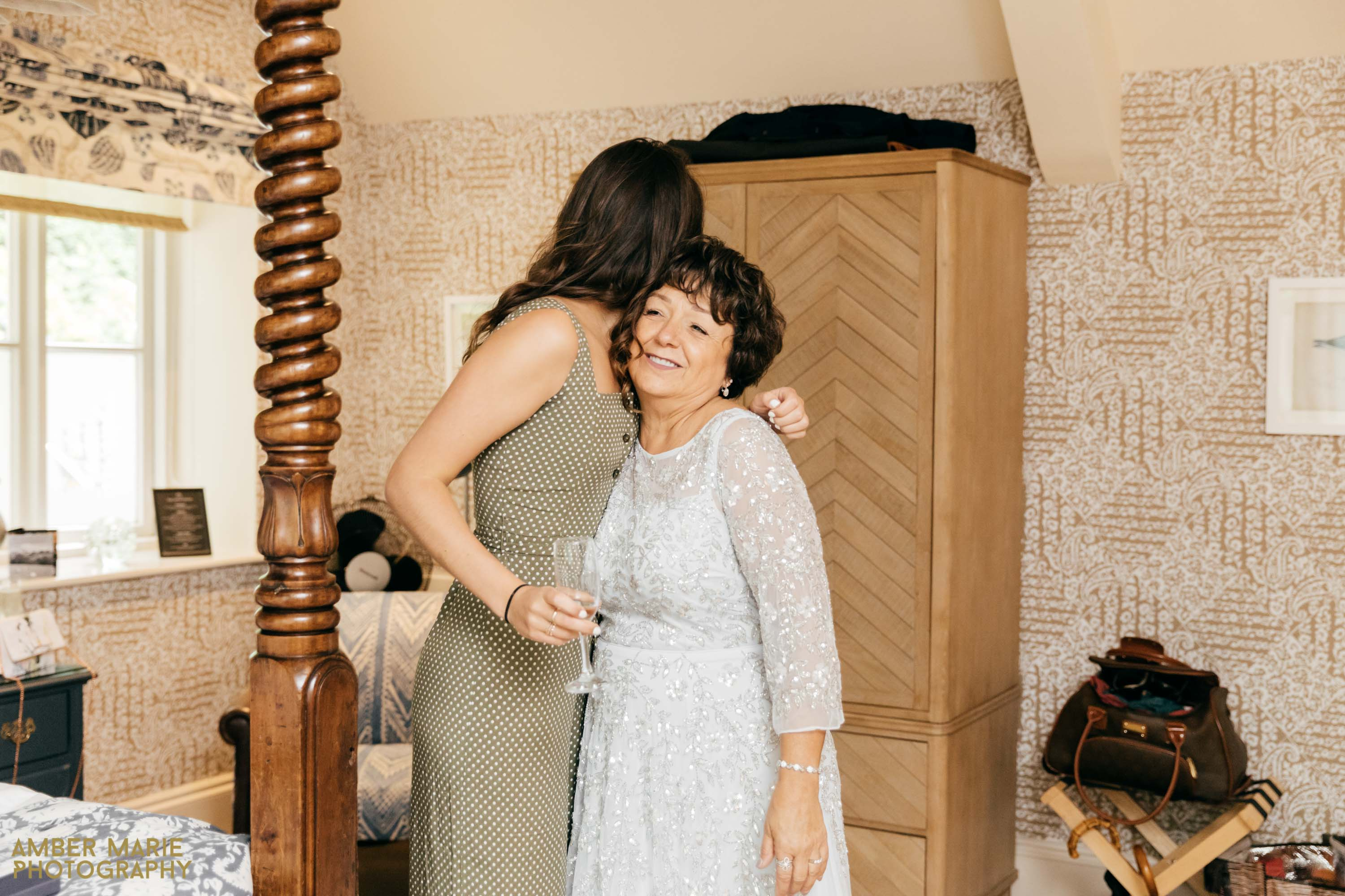 the swan hotel cotswolds wedding photographer