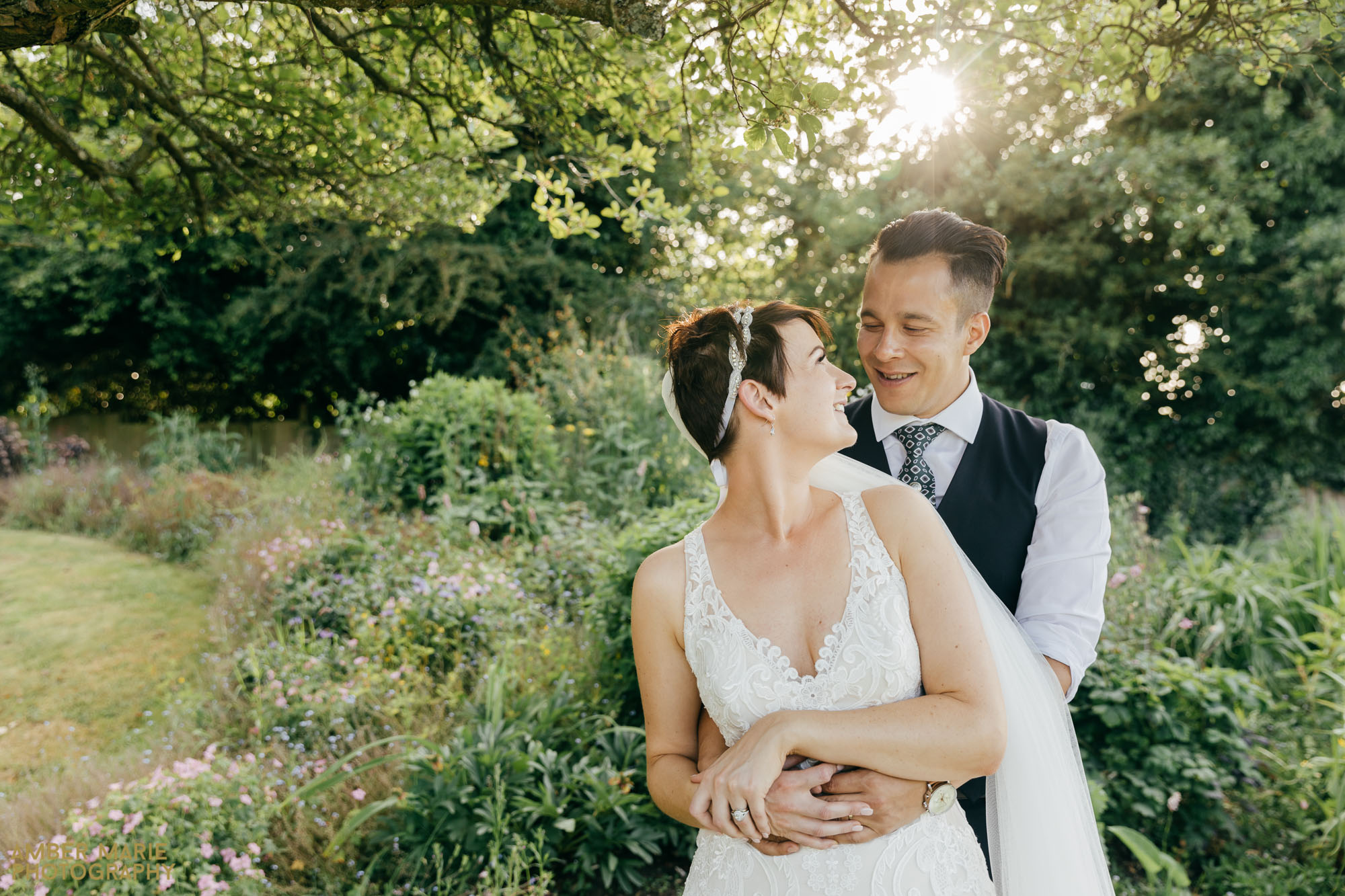 natural wedding photography by wedding photographer gloucestershire