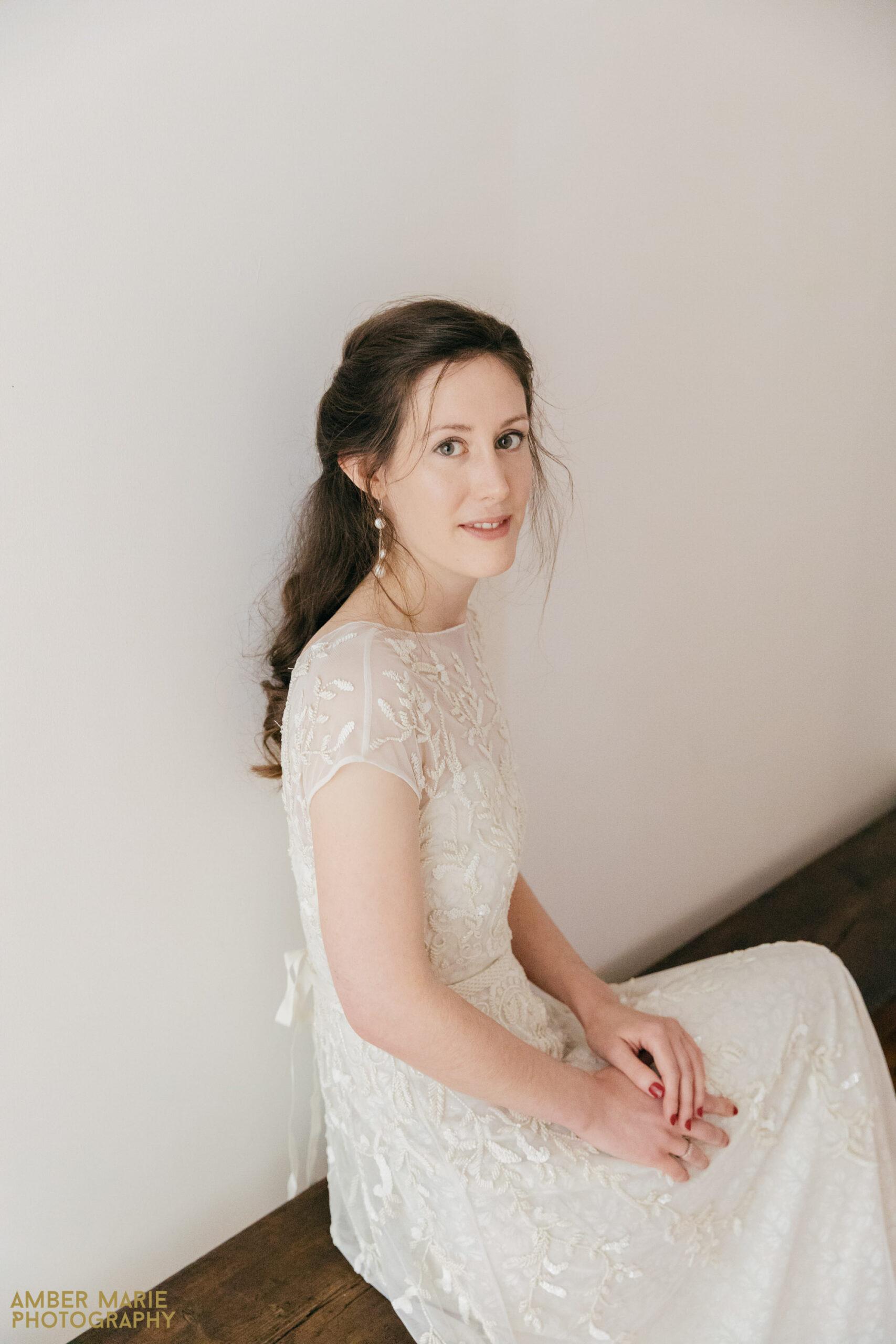 owlpen manor wedding by creative wedding photographer