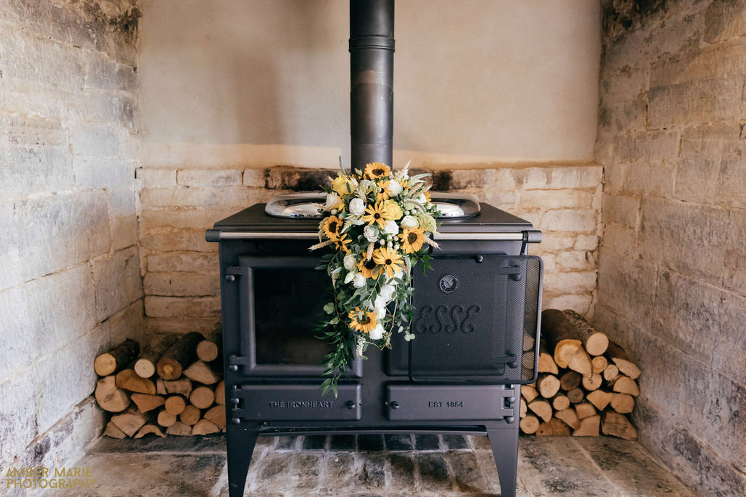 rustic river cottage wedding