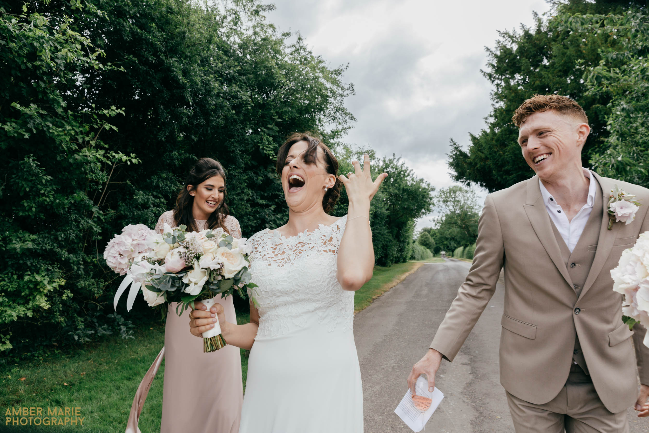 natural wedding photographer hampshire