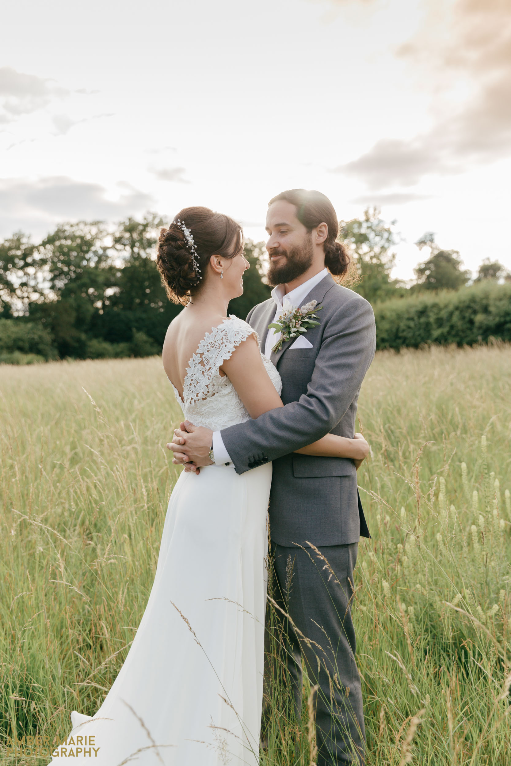 natural wedding photography hampshire