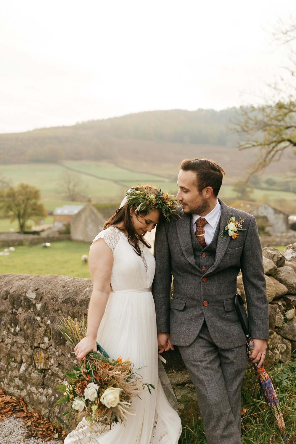 Stylish Autumnal wedding photography by creative cotswolds wedding photographer