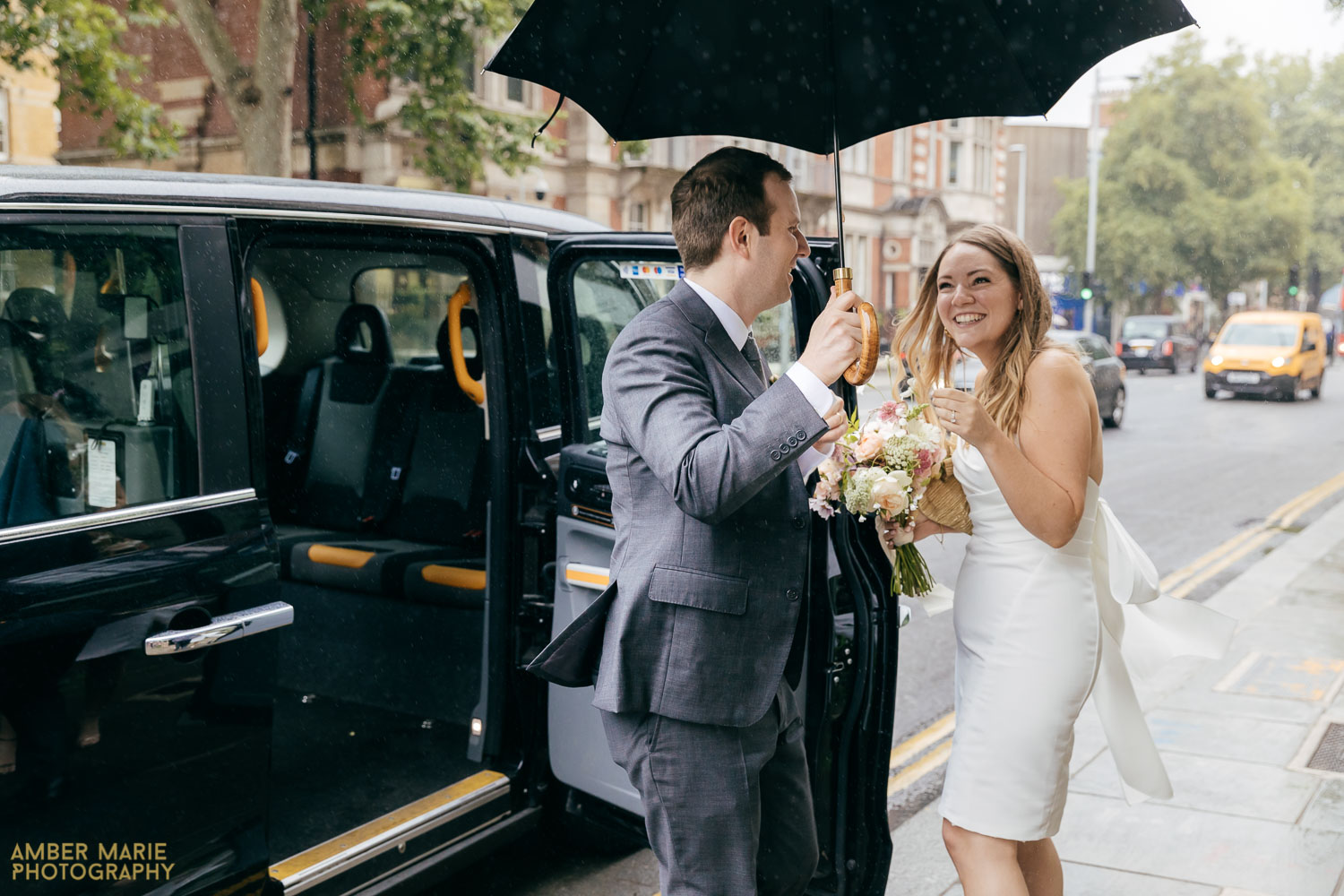 Candid wedding photography from chelsea town hall wedding